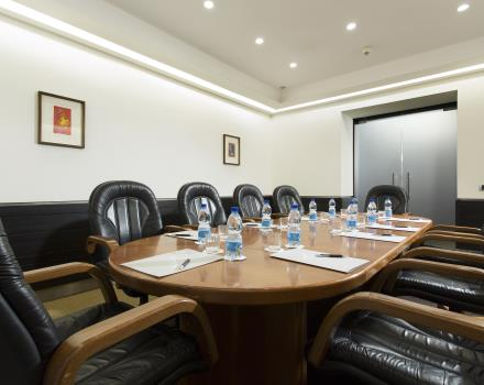 Rosanna-meeting room Hotel Universo Rome