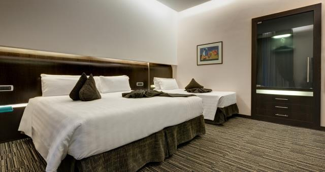 Camere triple best western hotel universo 4 stelle roma for Camera 5 stelle